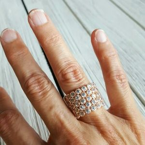Jewelry - Rose Gold/ 5 row/Clear Crystal Ring